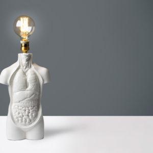 Lámpara torso anatómica de cerámica